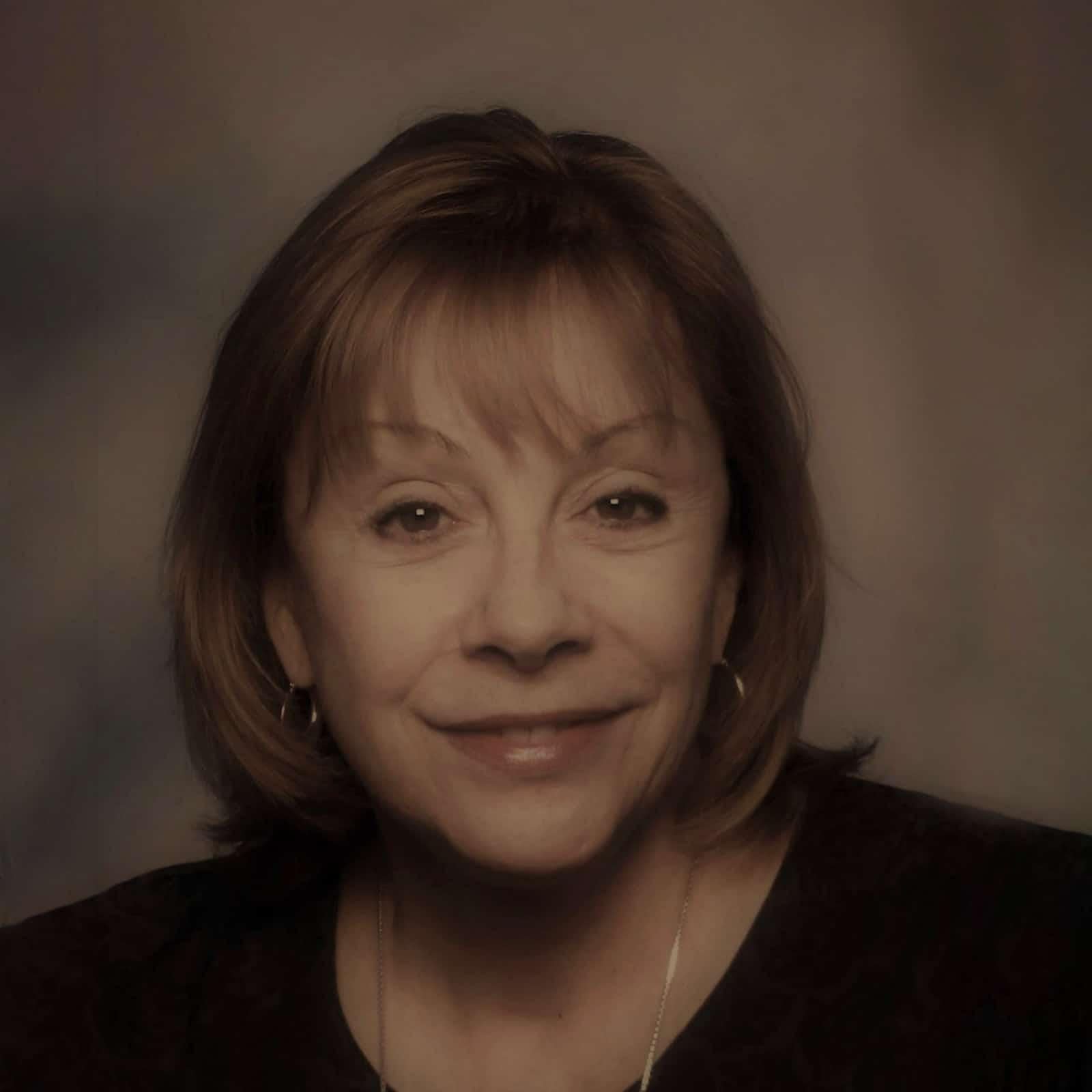 Lucy Proteau - cyberconIQ